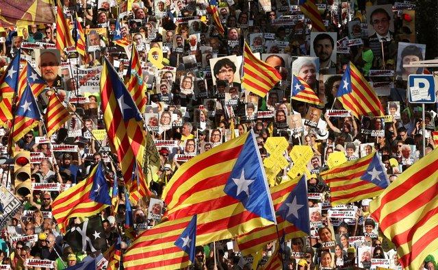 Cabecera de la manifestación por los presos soberanistas