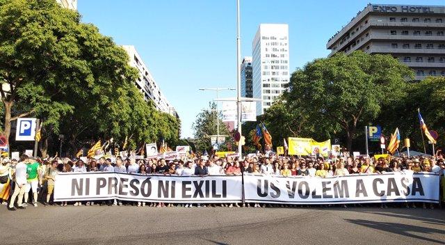 Cabecera de la manifestación para pedir la libertad de los presos soberanistas