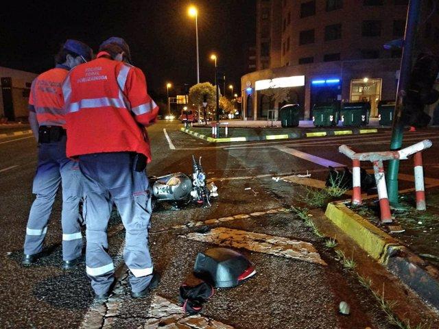 Fallece un motorista al chocar contra una farola en Cordovilla