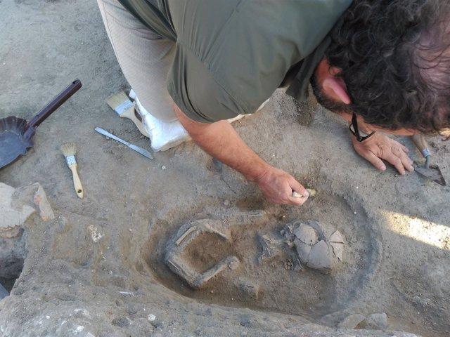Segovia.- Hallazgo del esqueleto de un niño en el yacimiento de Matabuena