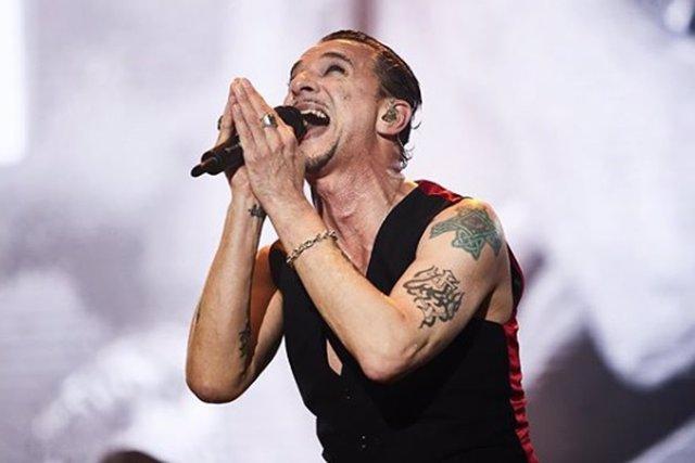 Depeche Mode durante su actuación en el Mad Cool Festival