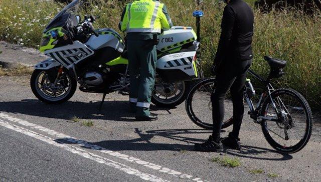 La Guardia Civil intercepta a un ciclista