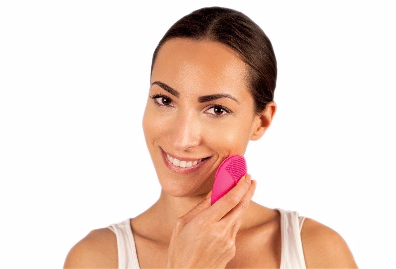 Dale un plus de limpieza a tu cutis con los cepillos faciales