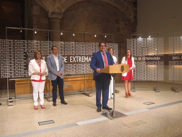 Rueda de prensa del consejero de Sanidad, José María Vergeles