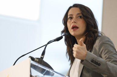 """Arrimadas acusa l'alcaldessa de Canet de Mar de voler expulsar """"tot aquell que no combregui amb el separatisme"""" (EUROPA PRESS - Archivo)"""