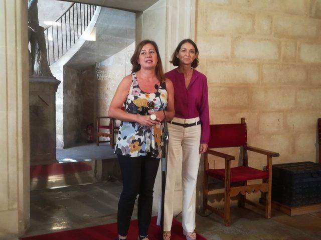 La presidenta del Govern, Francina Armengol, y la ministra Reyes Maroto
