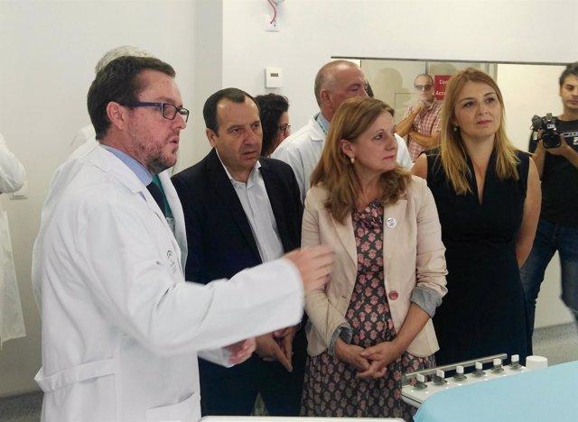 Consejera de salud en el Hospital Regional de Málaga