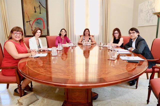 La ministra Reyes Maroto se reúne con el Govern