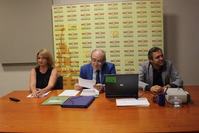 Felipe Castro, a la derecha de la imagen