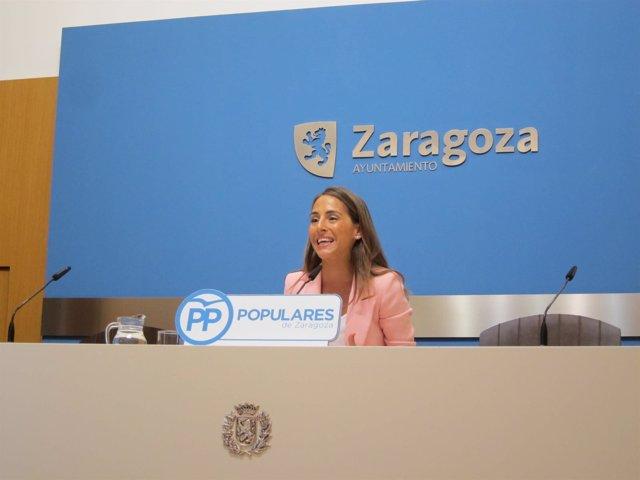 La concejal del PP, María Navarro, en rueda de prensa hoy en el Ayuntamiento