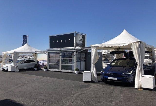 Tienda temporal de Tesla en Puerto Banús (Marbella)
