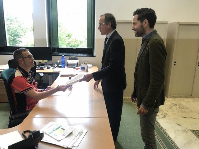 Alfonso Alonso y Borja Sémper registran el voto particular