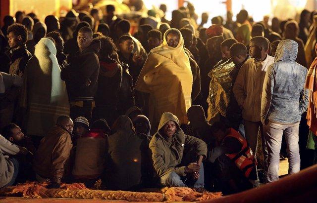 Imagen de archivo de migrantes desembarcados en Pozzallo