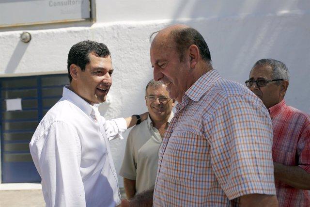 Juanma Moreno (PP-A) durante una visita al Parque de Cabo de Gata