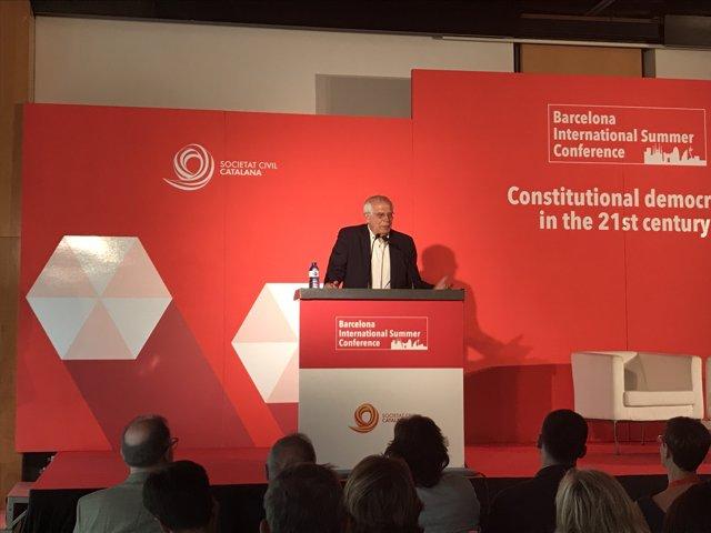 El ministro de Asuntos Exteriores, Josep Borrell, en las jornadas de SCC