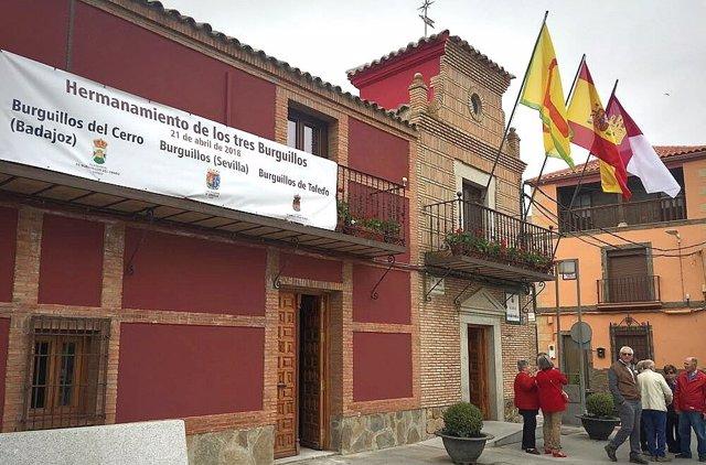 Ayuntamiento de Burguillos, fachada