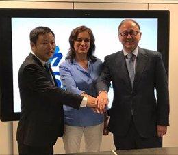 Shen Wi, de Spring Airlines, Isabel Maestre, dir. AESA Luis Gallego PTE Iberia