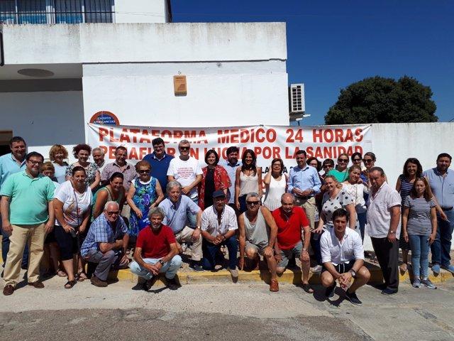 Concentración en Peñaflor por la falta de asistencia sanitario