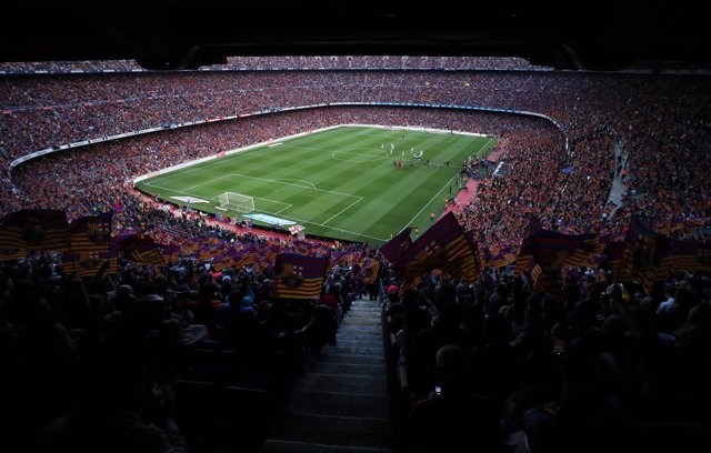 Soccer Football - La Liga Santander - FC Barcelona vs Real Sociedad - Camp Nou,