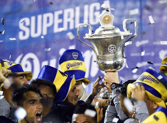 Soccer Football - Boca Juniors v Gimnasia y Esgrima La Plata - Argentine Superli