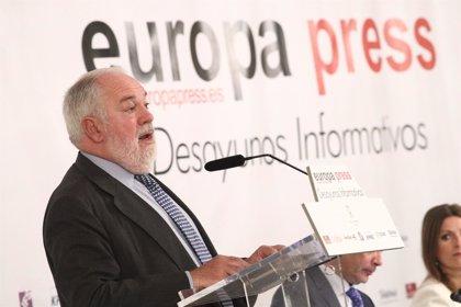 """Arias Cañete califica la situación de España en interconexiones energéticas de """"muy crítica"""""""