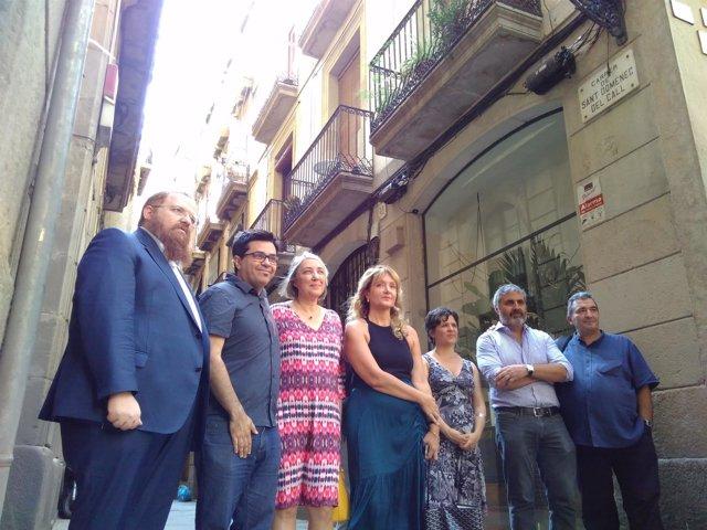 G.Pisarello, G.Pin, J.Anguita y D.Santillo junto a representantes judíos