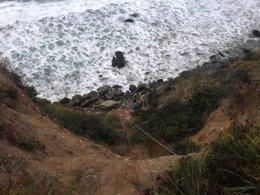 Precipicio por el que cayó la mujer en California