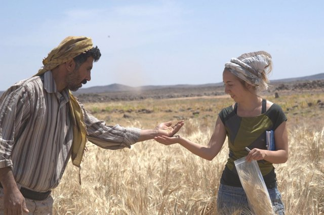 La Dra. Amaia Arranz-Otaegui y Ali Shakaiteer
