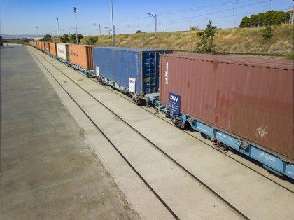 Sale de la Terminal Marítima de Zaragoza el primer tren de exportación a China