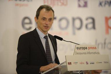 """Pedro Duque afirma que la inversió en R+D+i del sector privat és """"bastant mediocre"""" a Espanya (Europa Press)"""