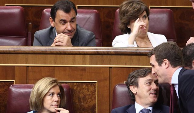 Casado, Santamaría, Cospedal y Rafael Hernando en el pleno del Congreso