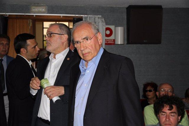 Alfonso Guerra y el rector