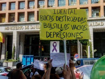"""Afectados por iDental reclaman frente al Ministerio de Sanidad una solución ante la """"estafa nacional"""""""