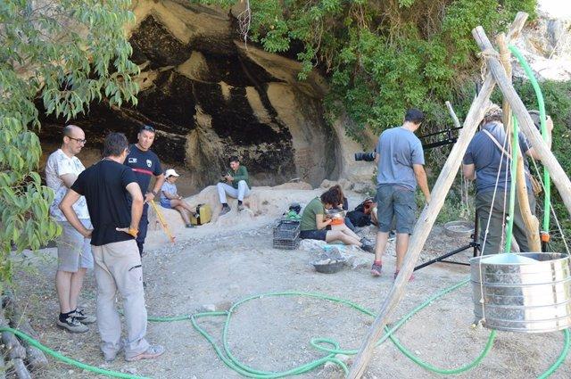 Hallan en la Cueva Negra una variada industria lítica y restos de mamíferos