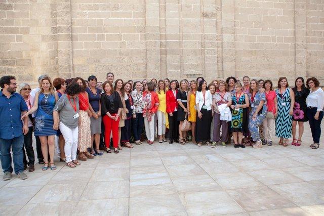 Foto de familia tras aprobarse la reforma de la Ley contra violencia de género