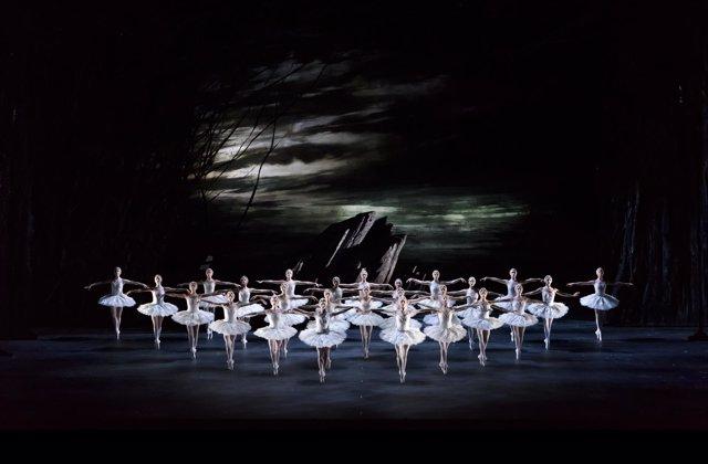 El Lago de los cisnes, The Royal Ballet