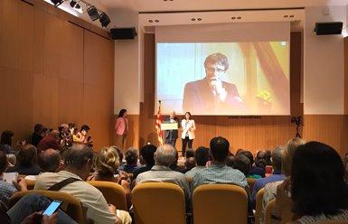 """Puigdemont crida a """"superar velles estructures i desconfiances"""" (Europa Press)"""