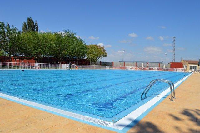 Las piscinas de alag n aumentan la superficie de c sped y for Piscinas de superficie