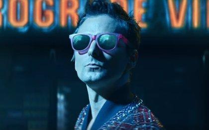 Muse se pasan al folk electrónico en su nuevo single (con guiño a Teen Wolf en su futurista y cinematográfico videoclip)