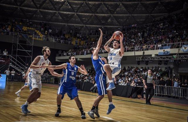 Gabriel Deck jugando con Argentina