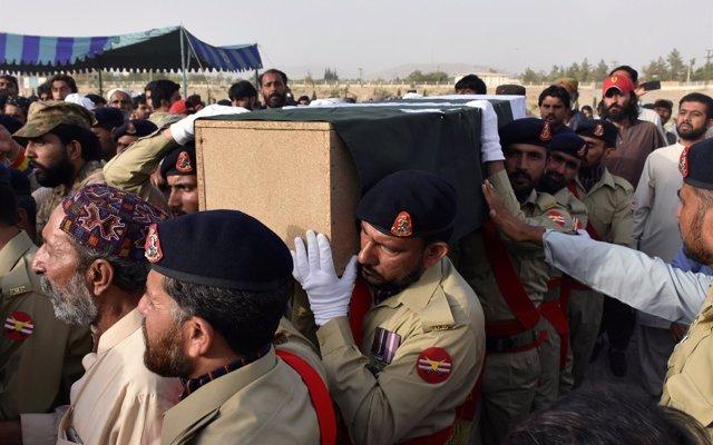 Pakistán identifica al terrorista que se inmoló en Mastung y confirma que era miembro de Estado Islámico