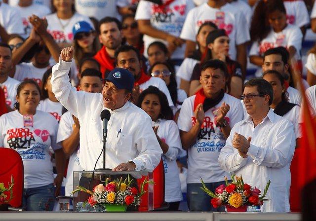 El presidente nicaragüense Daniel Ortega ante seguidores del oficialismo