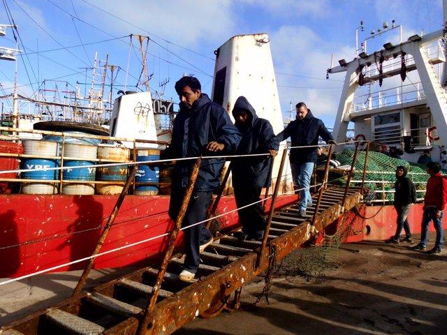 Tripulantes del 'Dorneda' llegan a puerto en Argentina