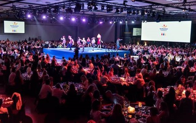 La cena solidaria de PortAventura recauda 90.000 euros para la lucha contra el cáncer infantil