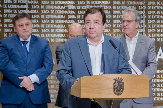 Fernández Vara en una comparecencia en Presidencia