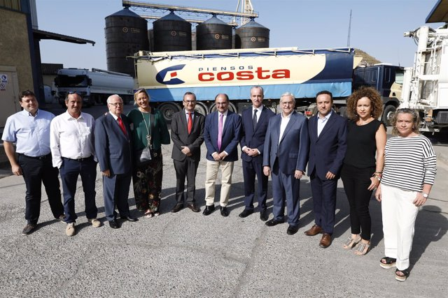 El presidente de Aragón se reúne con el Grupo Costa en Fraga.