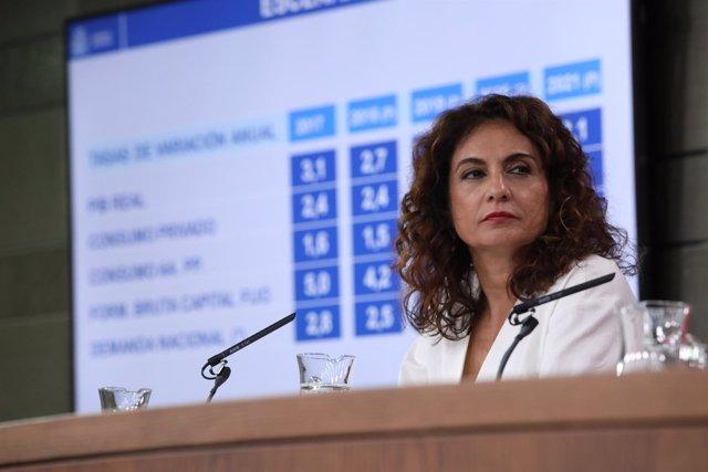 Rueda de prensa tras el Consejo de Ministros de la ministra de Hacienda