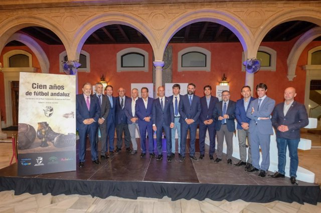 Presentación del libro 'Cien años de fútbol andaluz'.