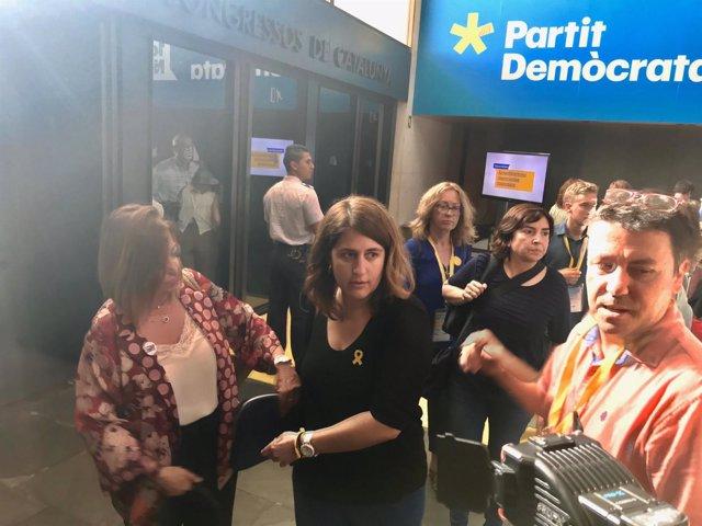 Marta Pascal, ante los medios durante la Assemblea Nacional del PDeCAT