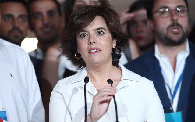 Santamaría intervendrá la primera en el Congreso del PP y después lo hará Casado tras sortearse